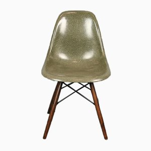 Chaise DSW Vintage Forest Verte par Charles & Ray Eames pour Herman Miller