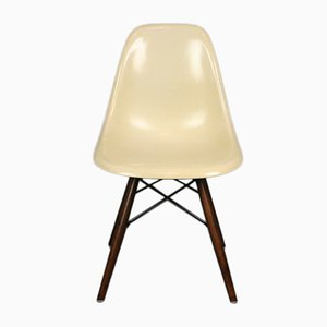 Chaise DSW Vintage Blanche par Charles & Ray Eames pour Herman Miller