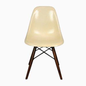 Weißer vintage DSW Chair von Charles & Ray Eames für Herman Miller