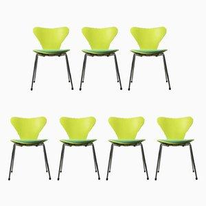 Sedie modello 3107 vintage verdi di Arne Jacobsen per Fritz Hansen, set di 7