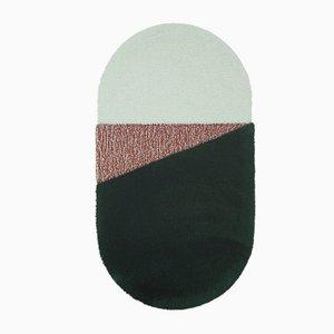 Tappeto medio Oci RG verde e color mattone di Seraina Lareida per Portego