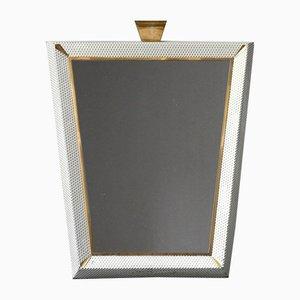 Espejo iluminado Mid-Century modern grande con marco de metal perforado y detalles de latón