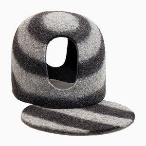 Copriteiera Black Tents in lana naturale di Minale-Maeda per Hands On Design