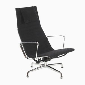 Fauteuil EA124 Mid-Century par Charles & Ray Eames pour Vitra