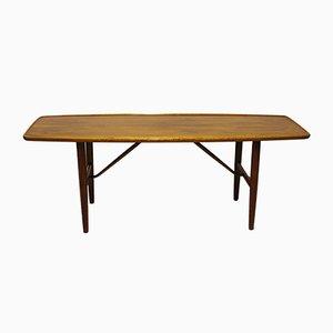 Mesa de centro de nogal de Finn Juhl, años 60