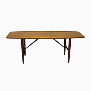 Table Basse en Noyer par Finn Juhl, 1960s