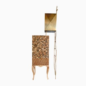 Mueble Bouisoun de latón e incrustaciones de madera de Andrea Bouquet, 2018