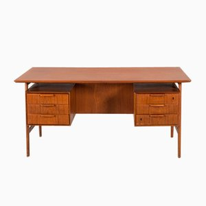 Vintage Model 75 Teak Desk from Omann Jun