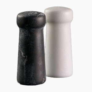 Juego de salero y pimentero Thalia de mármol de Faye Tsakalides para White Cubes