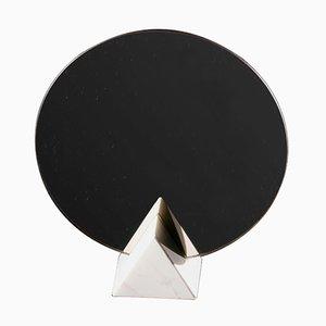Specchio Aigisthos in marmo di Faye Tsakalides prt White Cubes
