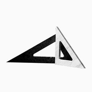 Triangoli Thalis & Pythagoras in marmo di Faye Tsakalides per White Cubes, set di 2