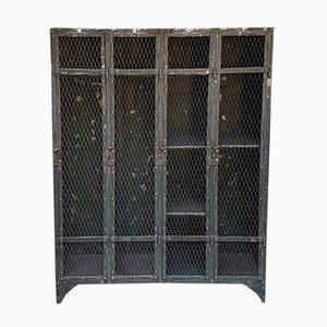 Französischer industrieller Vintage Eisen Schrank