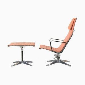 Vintage EA124 Sessel & EA125 Fußhocker von Charles Eames