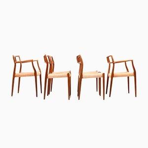 Cuatro sillas de comedor modelo 79 y dos modelo 64 de teca de Niels Otto Møller, años 60. Juego de 6