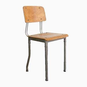 Moderner industrieller Vintage Stuhl