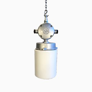 Lámpara industrial vintage de aluminio de aluminio con vidrio escarchado, años 70