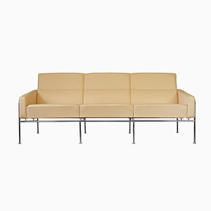 Vintage Danish Series 3303 Leather Sofa by Arne Jacobsen for Fritz Hansen