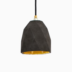 Lampe à Suspension [T1] Triangulaire en Béton Foncé & Or par Stefan Gant pour GANTlights