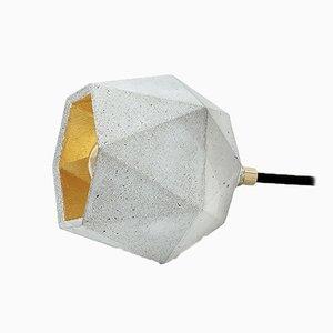 Lampada da terra [T2] Up in cemento e placcata in oro di Stefan Gant per GANTlights