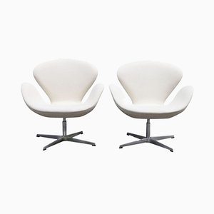 Swan Chairs by Arne Jacobsen for Fritz Hansen, 1989, Set of 2