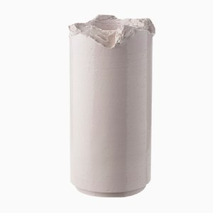 Vaso strappato viola di Formafantasma per Bitossi