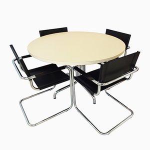 Tavolo da pranzo di Thonet con quattro sedie cantilever di Mart Stam e Marcel Breuer, anni '60