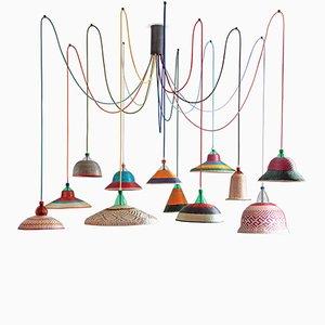 Lámpara PET Eperara Siapidara con 12 luces de Alvaro Catalán de Ocón