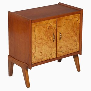 Mueble Mid-Century pequeño de nogal con incrustación de abedul nudoso