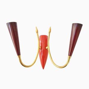Französische rote Mid-Century Messing, Gusseisen & Plastik Wandlampe, 1950er