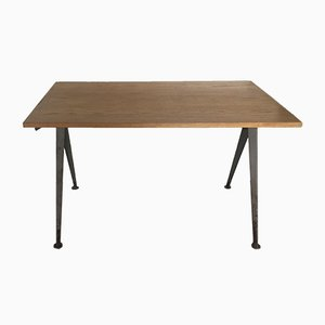 Tavolo con gambe a compasso di Jean Prouvé, anni '50
