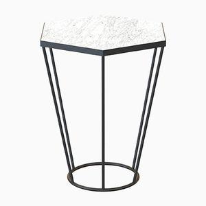 Tavolino SEI nero con ripiano in marmo bianco di Alex Baser per MIIST