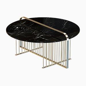 Mesa de centro MEISTER chapada en latón con mármol negro de Alex Baser para MIIST
