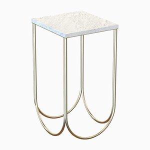Tavolino OTTO placcato in ottone con ripiano in marmo bianco di Alex Baser per MIIST