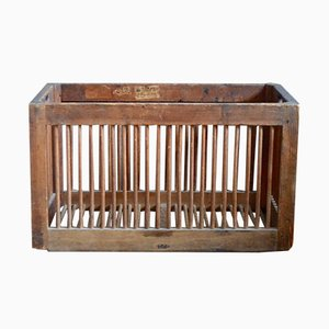 Caja industrial antigua de madera