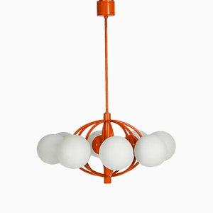 Lámpara era espacial en naranja con ocho globos de vidrio opalino de Kaiser Idell, años 60