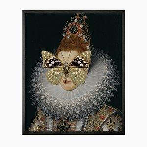 Mittelgroßes Portrait von Spotted Butterfly on Lady von Mineheart