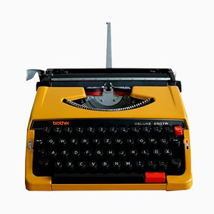Máquina de escribir portátil DELUXE 250TR de Brother, años 70
