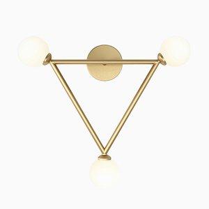 Lampada da parete Triangle con 3 sfere in vetro di Atelier Areti