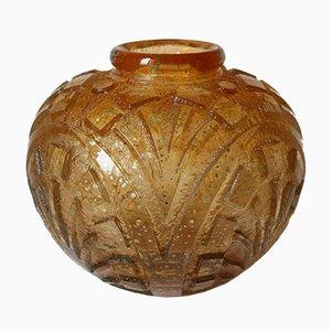 Vase Gravé à l'Acide Art Déco avec Inclusion de Feuilles d'Or de Daum