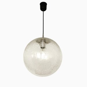 Lámpara colgante en forma de globo de cristal hielo de Peill & Putzler, años 60