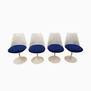 White Tulip Chairs by Eero Saarinen for Knoll, 1960s, Set of 4