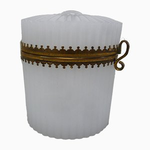 Biedermeier Dose aus Opalglas, 1820er