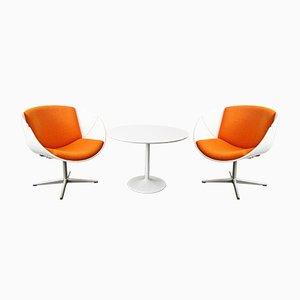 Dos sillas Shell y mesa Tulip vintage