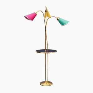 Lámpara de pie de latón con estante, años 50