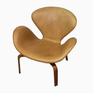 Scandinavian Swan Chair by Arne Jacobsen for Fritz Hansen, 1965