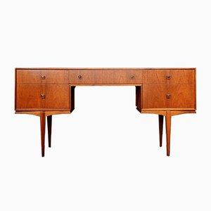 Schreibtisch aus Teak von McIntosh, 1960er