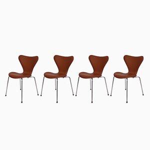 Sedie modello 3107 in pelle color cognac di Arne Jacobsen per Fritz Hansen, 1967, set di 4