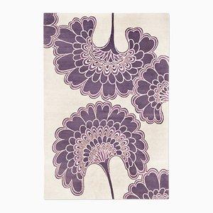 Alfombra japonesa floral en morado de Knots Rugs