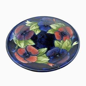 Plato vintage de cerámica con planta pensamiento de Moorcroft