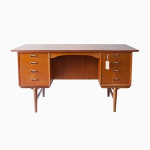Freistehender dänischer Schreibtisch aus Teak, 1960er